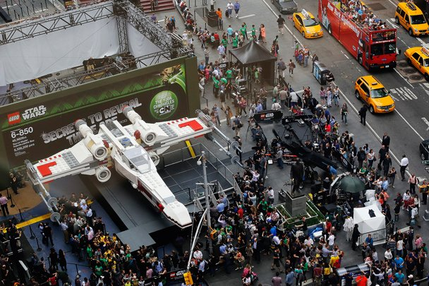 Самую большую модель LEGO – истребитель X-Wing из «Звездных войн», состоящий из 5 млн 300 тыс. частей – выставили на ... - Изображение 1