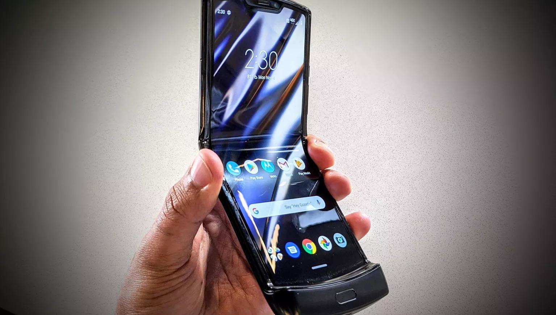 Motorola Razr 2019 совсем неподдается ремонту