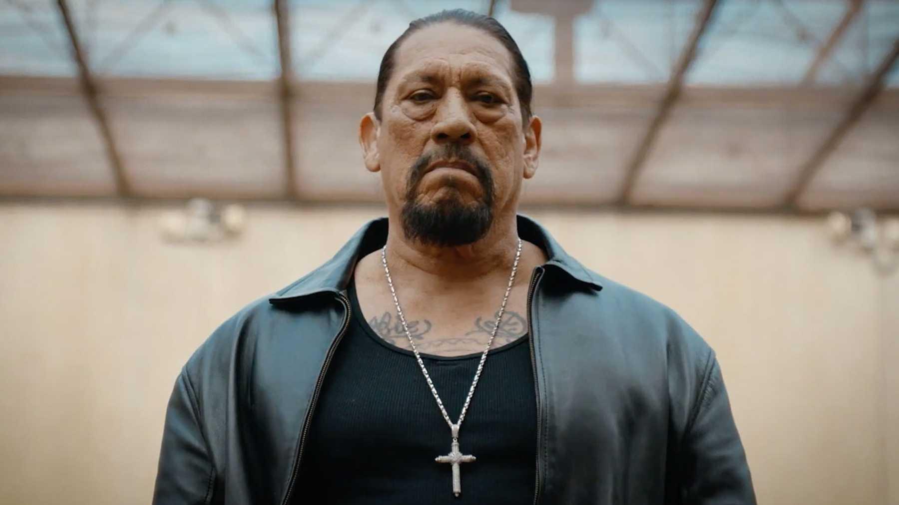 Рецензия нафильм «Заключенный №1: Восхождение Дэнни Трехо». Злой мексиканец с мачете в руках