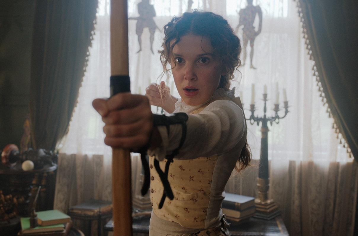 НаNetflix подали всуд из-за фильма про сестру Шерлока Холмса
