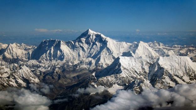 Пользователь Reddit изобразил уровень команд в Dota 2 у подножия Эвереста