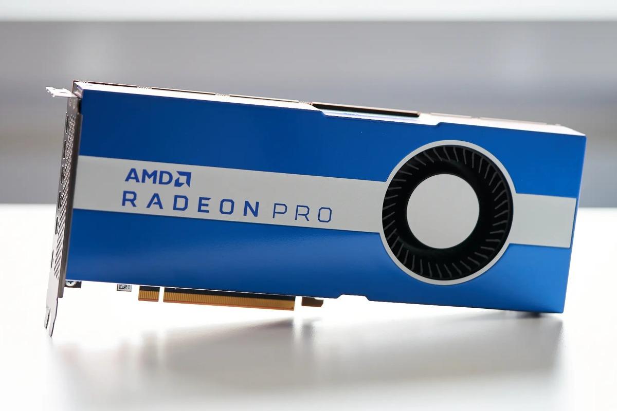 Анонсирована видеокарта Radeon Pro W5700. Помощности она превосходит Nvidia Quadro RTX 4000