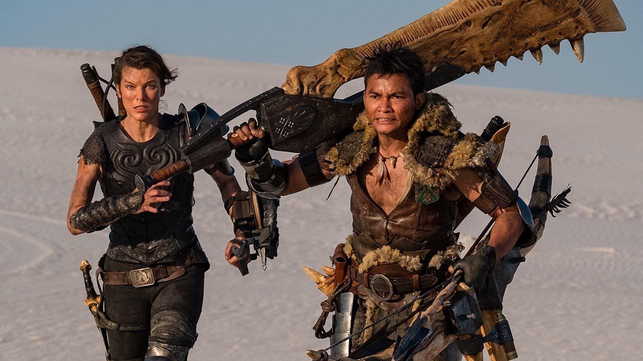 Милла Йовович сама выбрала оружие для героини фильма поMonster Hunter. Есть новый кадр