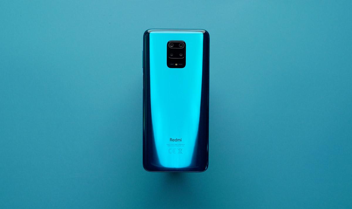 Из-за коронавируса вРоссии увеличились онлайн-покупки смартфонов. Назван лидер продаж