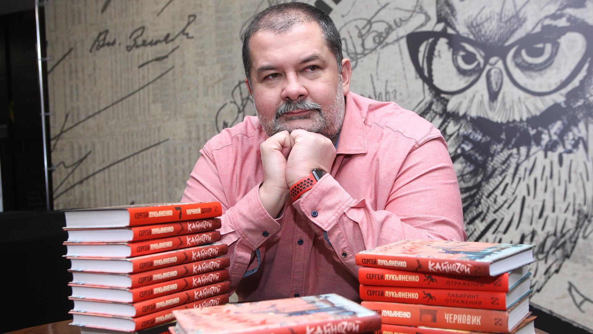 «Неинтересно становится»: писатель Сергей Лукьяненко раскритиковал гайды попрохождению игр