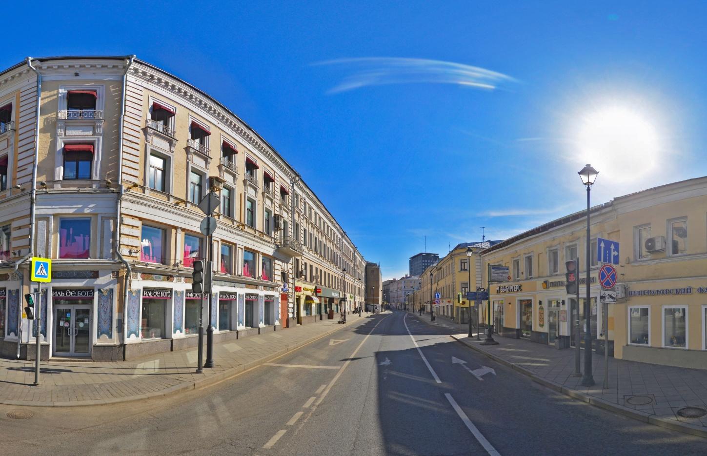 Москва накарантине: галерея необычных фотографий пустых улиц столицы