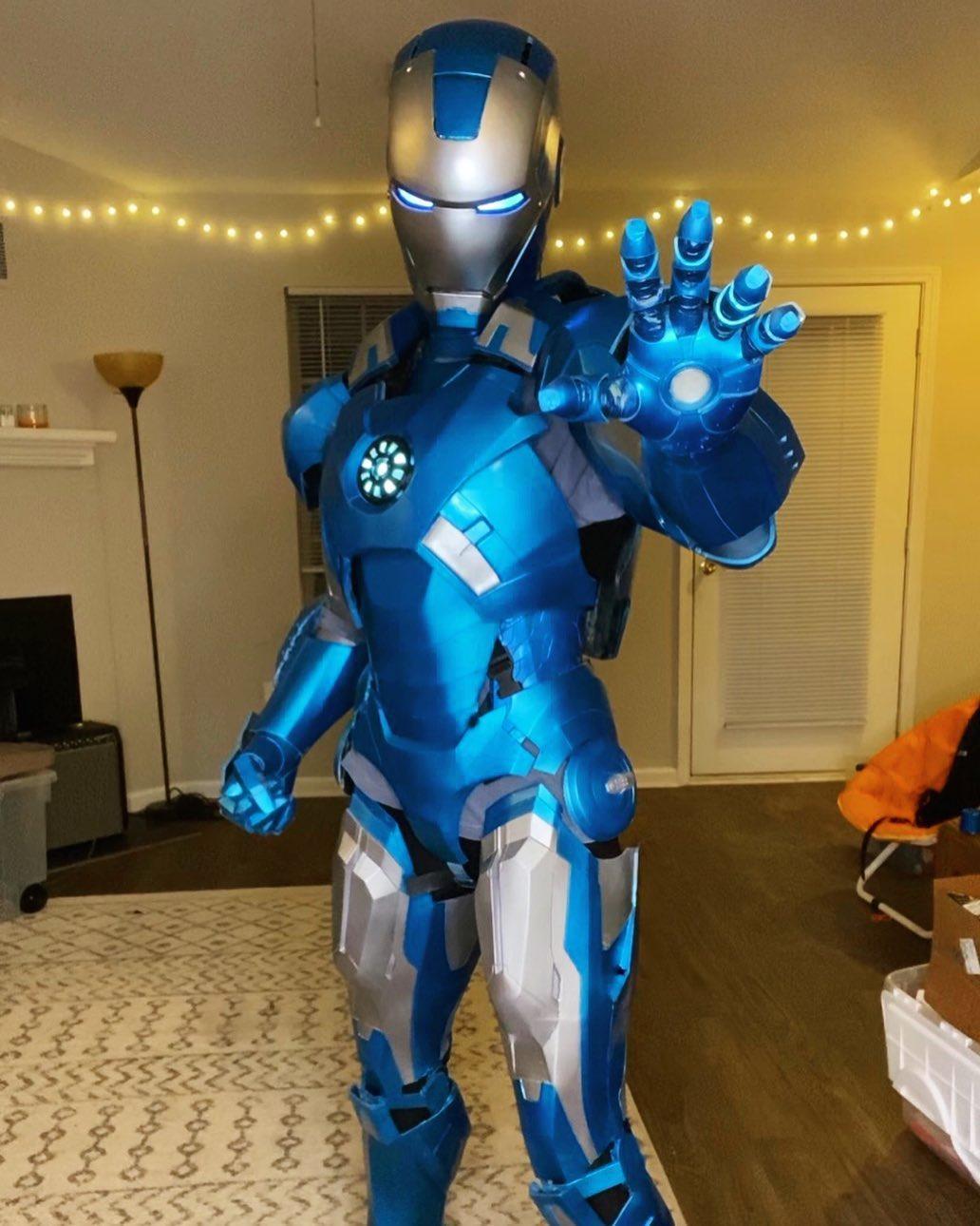 Девушка сделала костюм Железного человека спомощью 3D-принтера ипоказала процесс создания вTikTok