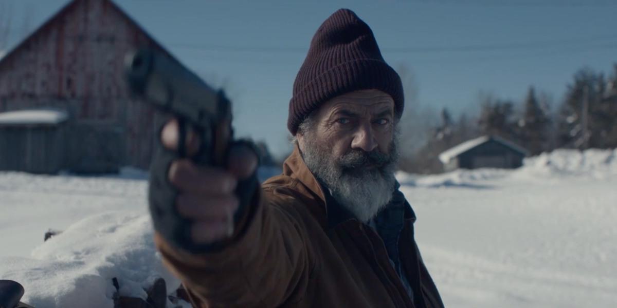 Мэл Гибсон в роли сурового Санта Клауса: вышел трейлер комедии «Охота на Санту»