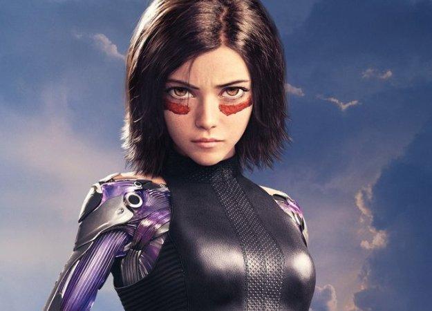 Нановых постерах фильма «Алита: Боевой ангел» представлены боевые киборги илюди