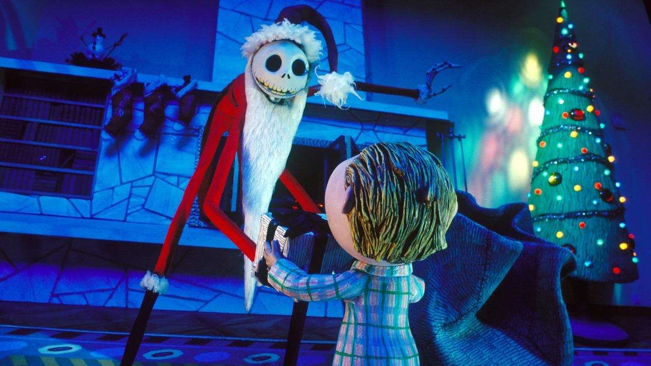 Мультфильм «Кошмар перед Рождеством» получил неожиданную летнюю коллекцию одежды отDisney