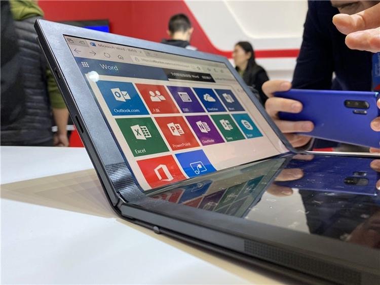 Lenovo показала ThinkPad X1— первый вмире ноутбук соскладным экраном
