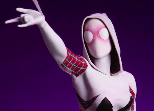 Статуя одной из самых интересных альтернативных версий Человека-паука