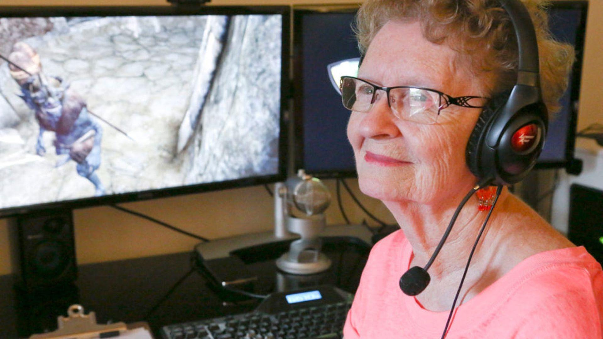 «Skyrim-бабушка» взяла перерыв— ейхамят иплохо смотрят ролики