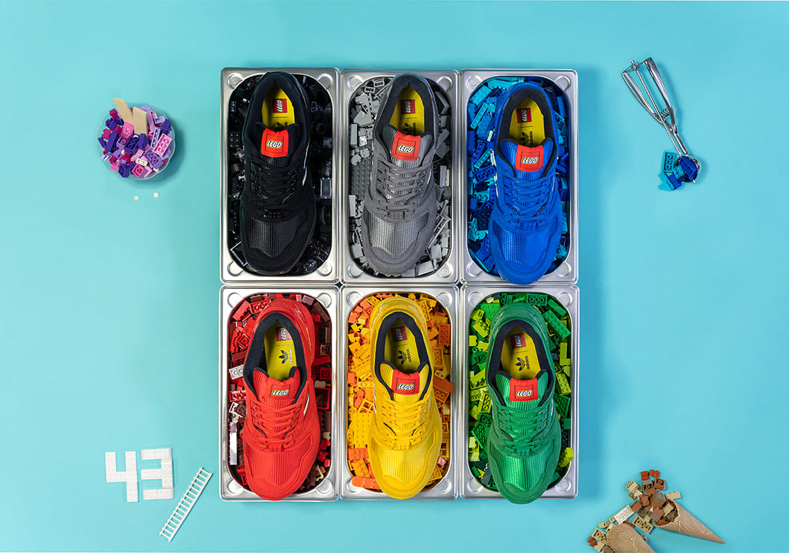 Adidas показал еще шесть пар кроссовок в коллаборации LEGO