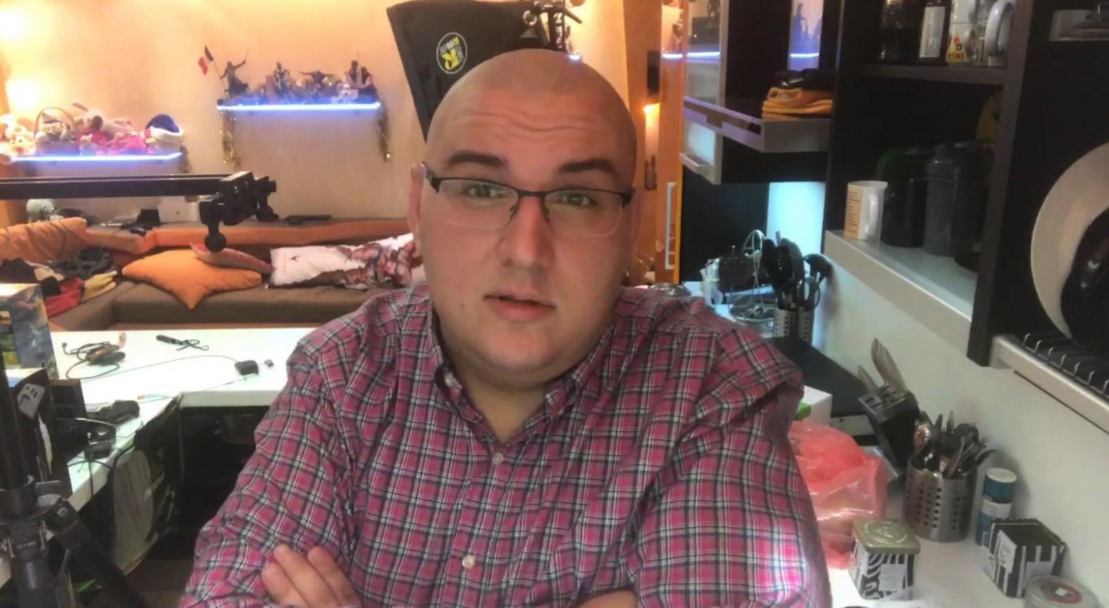 Антон Логвинов проходит Half-Life: Alyx. Это нужно видеть