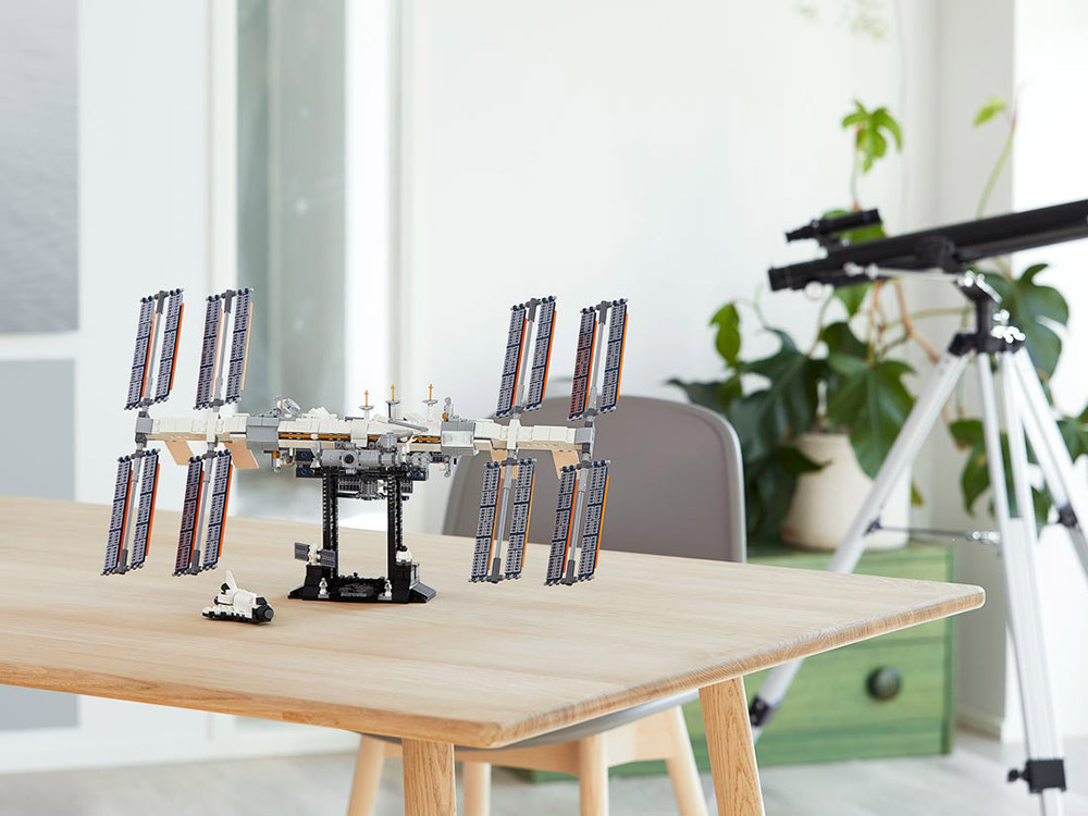 LEGO выпустит набор сМКС. Один изних уже отправился встратосферу