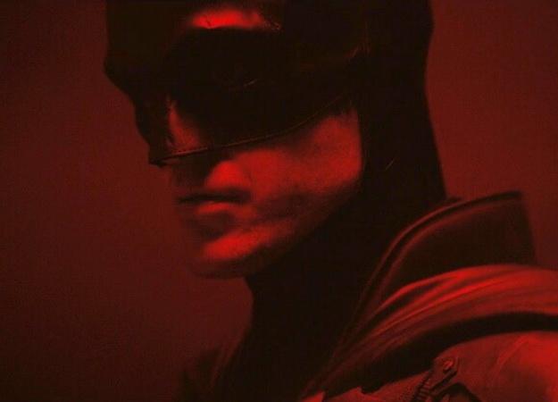 Съемки «Бэтмена» Мэтта Ривза остановлены надве недели. Причину вызнаете