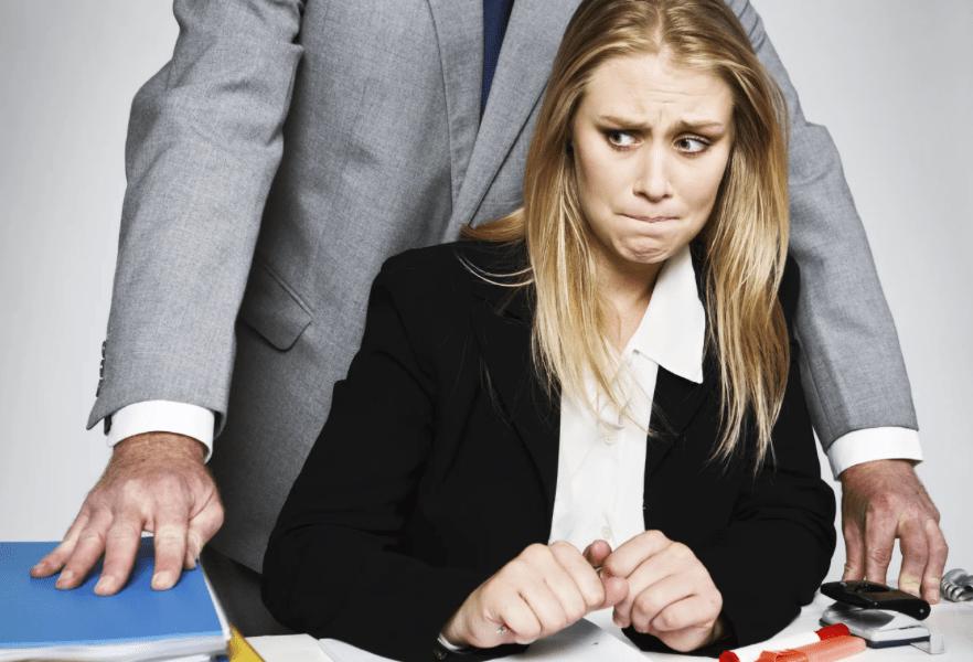 Около 90% россиян несталкивались сдомогательствами наработе