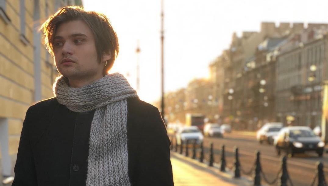 Руслан Соколовский освоих доходах, эмиграции изстраны иновом шоу «Остров героев»