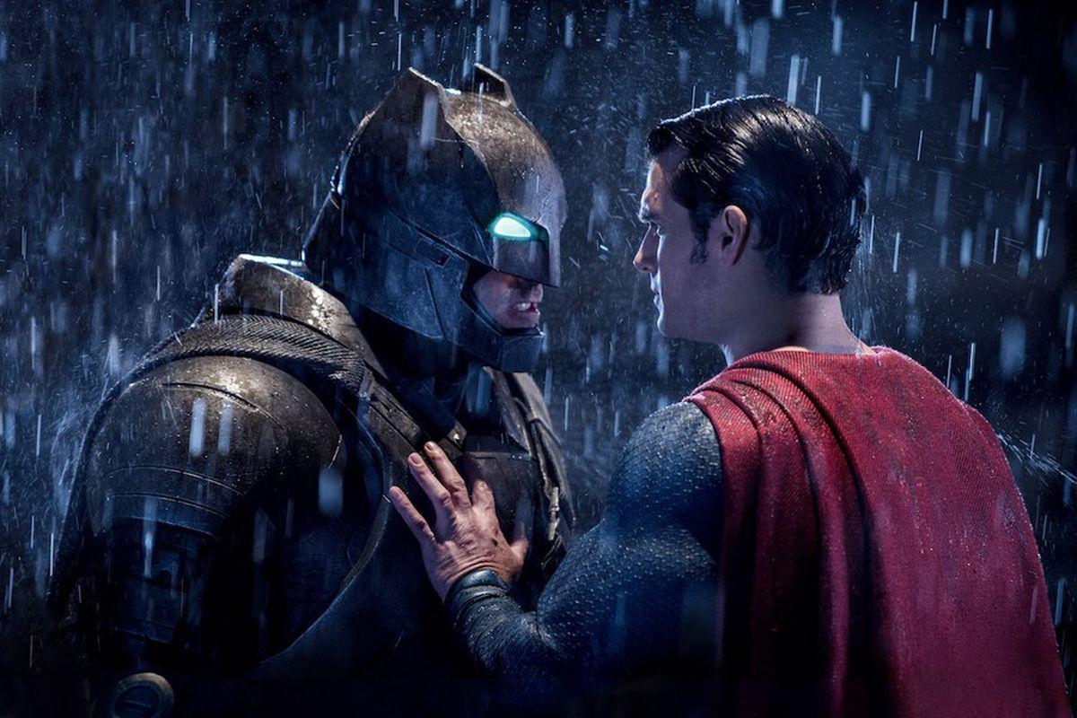 Зак Снайдер раскрыл новые детали «Бэтмена против Супермена»