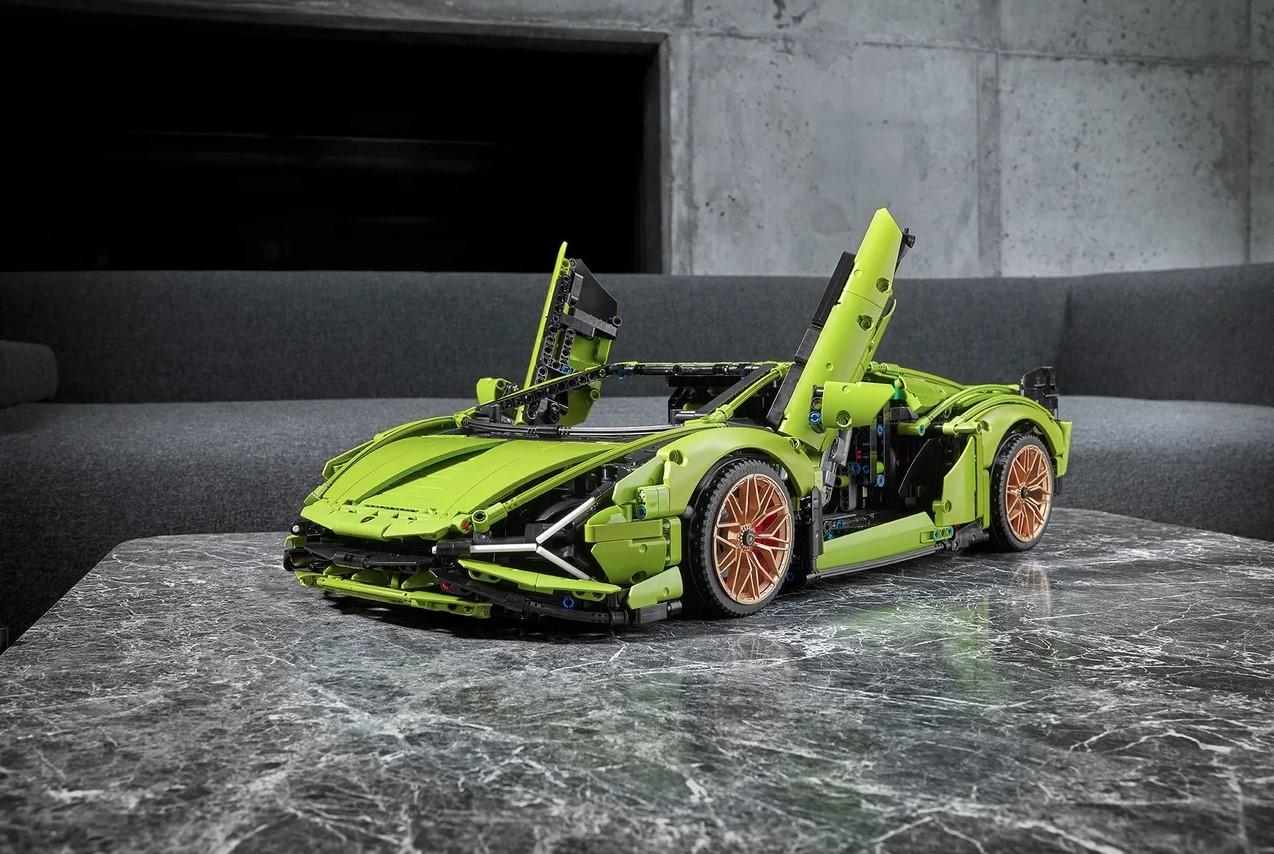 LEGO показала набор Technic— Lamborghini Sián FKP37