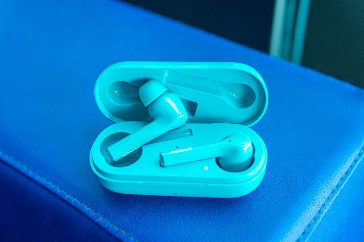 Беспроводные наушники Honor Magic Earbuds сшумоподавлением приехали вРоссию