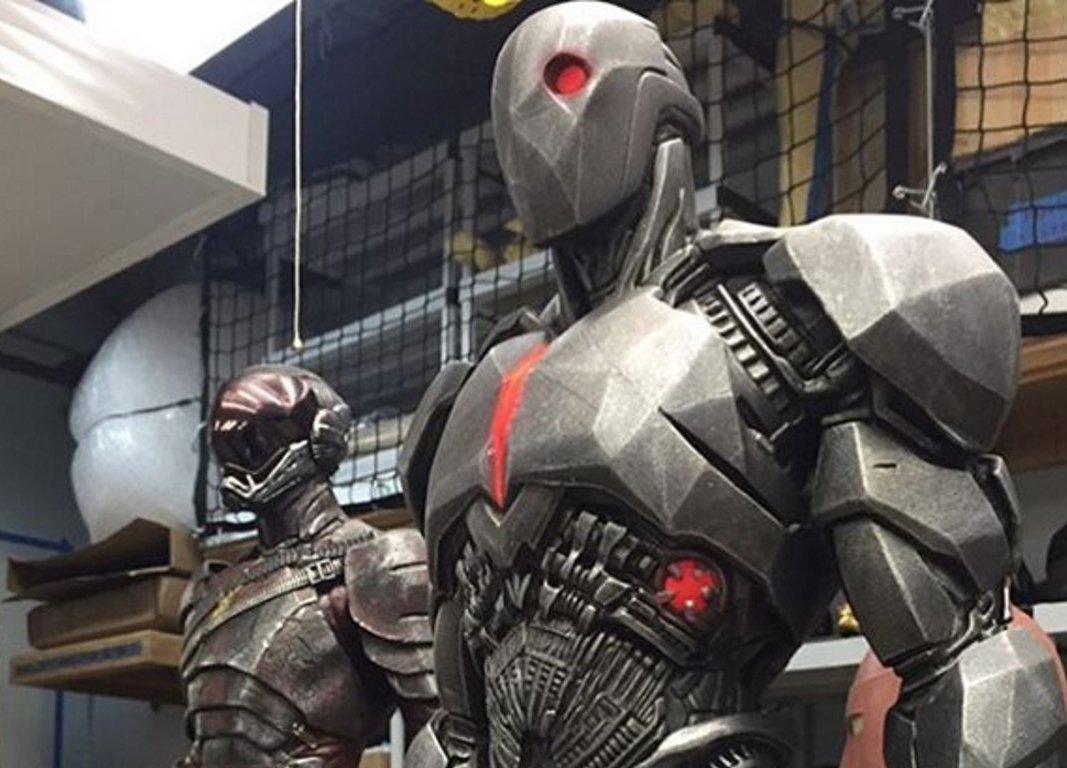 Прототипы костюмов Флэша и Киборга из BvS и «Лиги» впечатляют