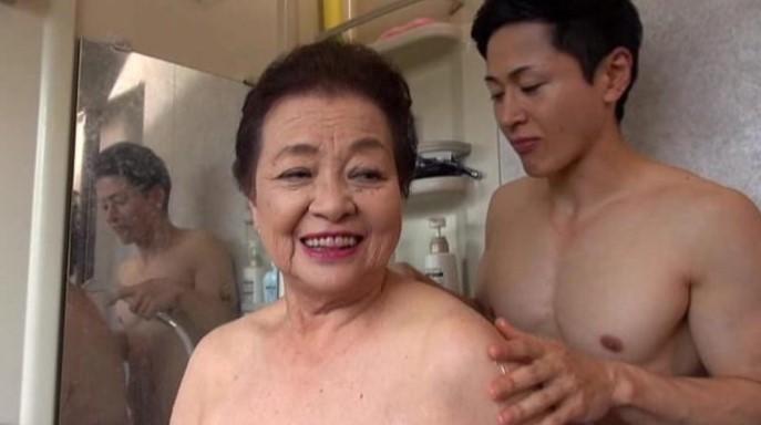 84-летняя порнозвезда лишилась работы. Виновата пандемия