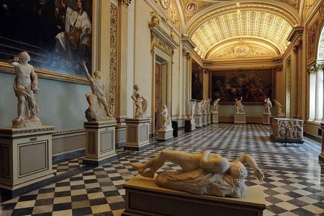 Okko бесплатно покажет фильмы-экскурсии повеличайшим музеям мира