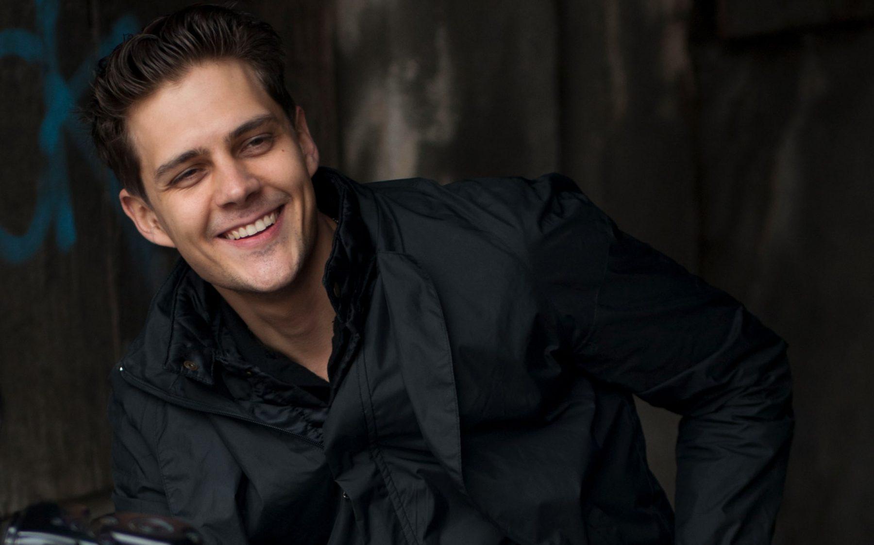 «Хорошие актеры были заняты»: Милош Бикович рассказал оновой роли нашоу «Вечерний Ургант»