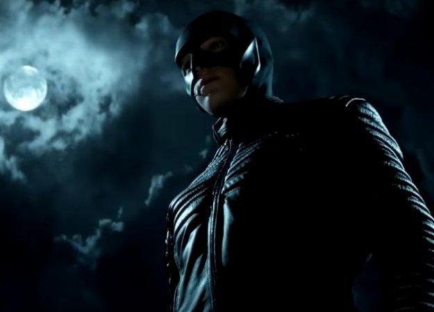 Еще один взгляд накостюм Брюса Уэйна вновом трейлере 4 сезона «Готэма»