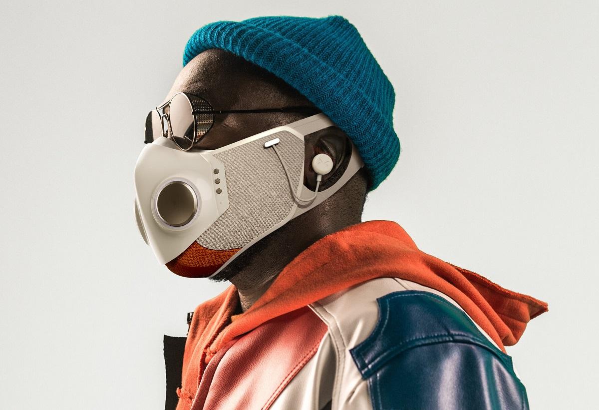 Will.i.am представил «умную» защитную маску сподключением ксмартфону