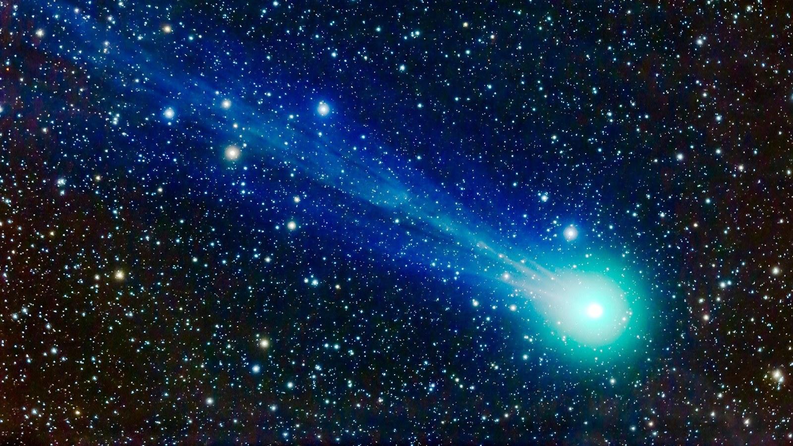 10 уникальных фотографий самых эффектных комет