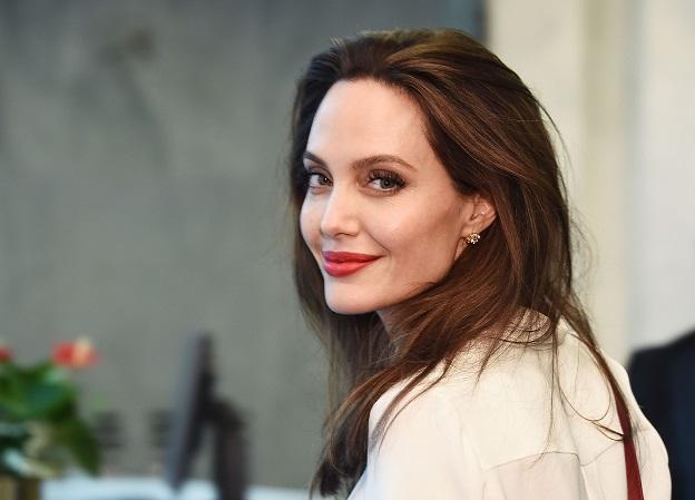 СМИ: Marvel ведет переговоры сАнджелиной Джоли осъемках в«Вечных»