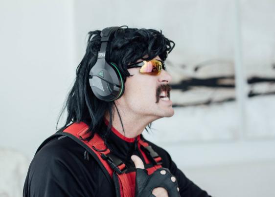 ВFortnite вышел скин, который напоминает образ Dr Disrespect