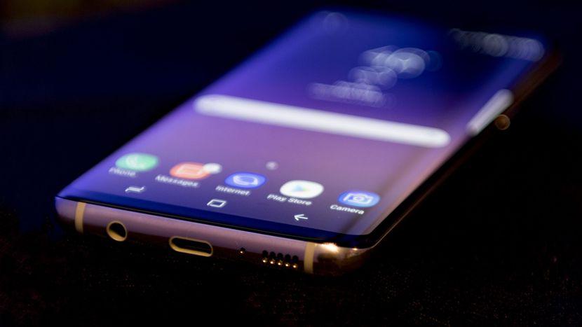 Samsung Galaxy S8 значительно подешевел