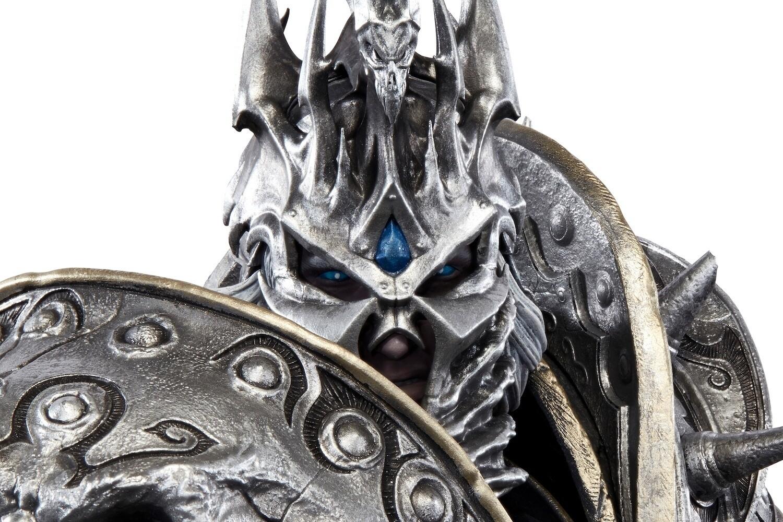 Blizzard выпустила статую Короля-лича Артаса за $1100