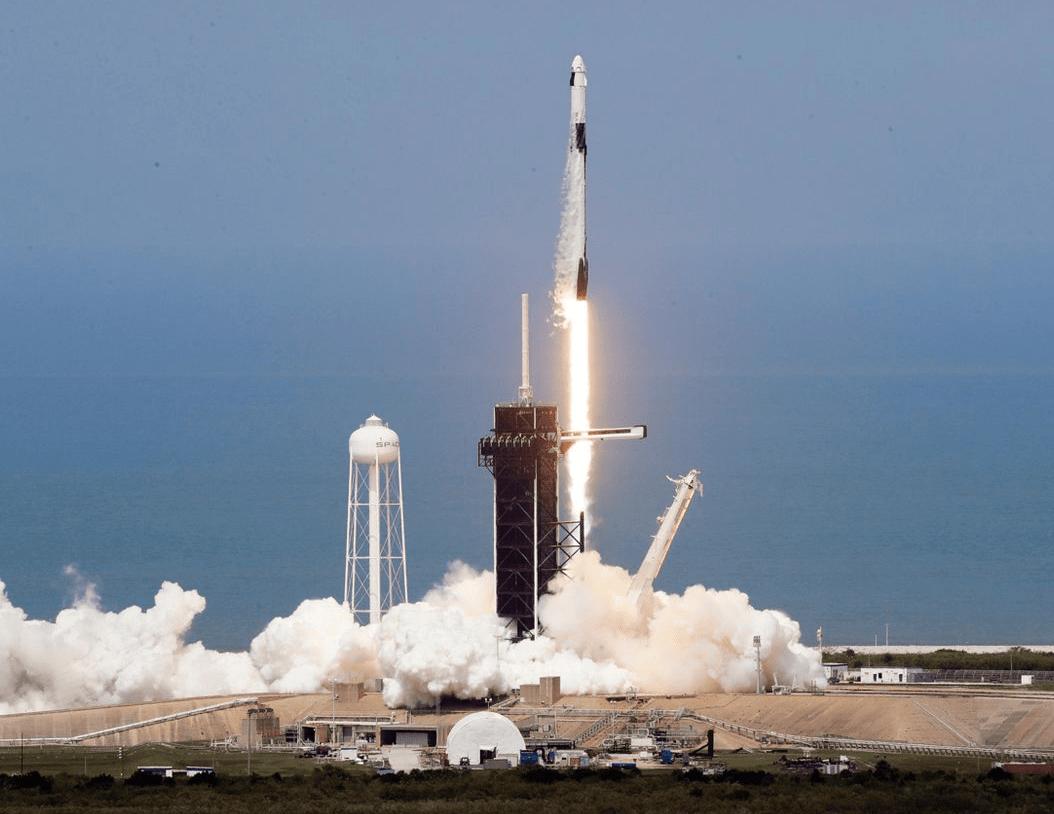 Астронавты, прилетевшие наМКС накорабле Crew Dragon, вышли впрямой эфир