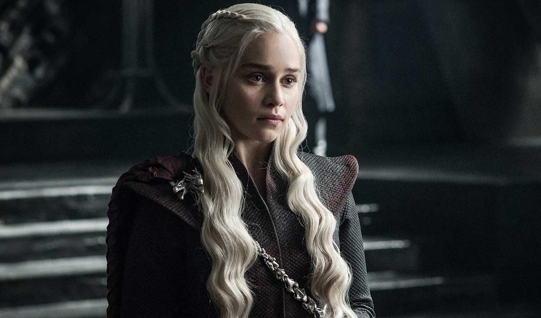 Актрисе из«Игры престолов» говорили пошлости насъемках. Занее заступилась Эмилия Кларк