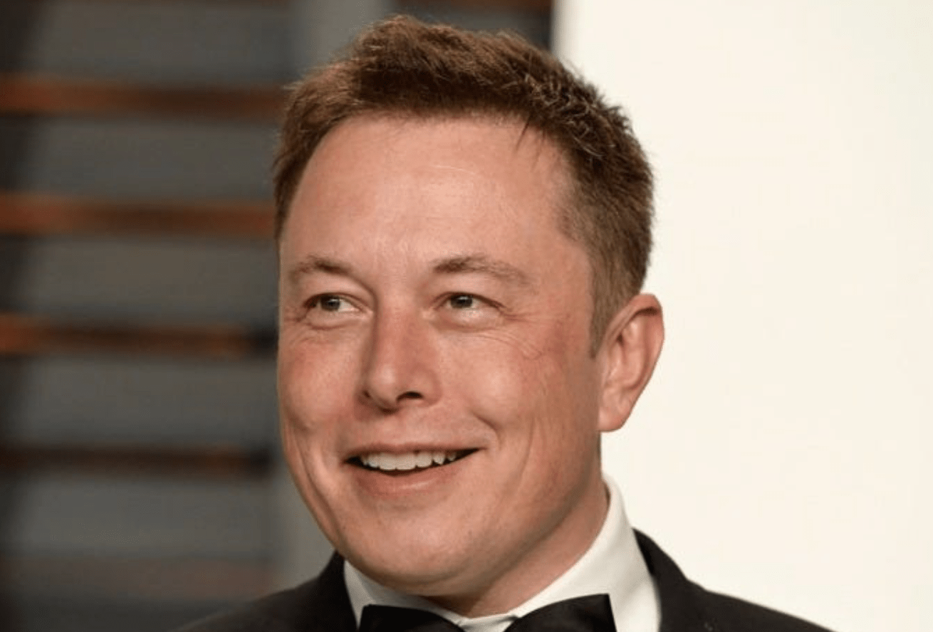 Илон Маск нашел человека, который купит унего 4 дома стоимостью 62 миллиона долларов
