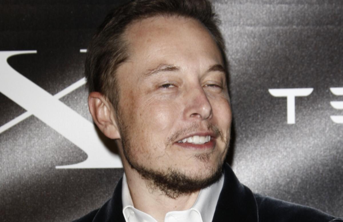 Илон Маск— третий самый богатый человек вмире. Онобогнал Цукерберга идогоняет Гейтса