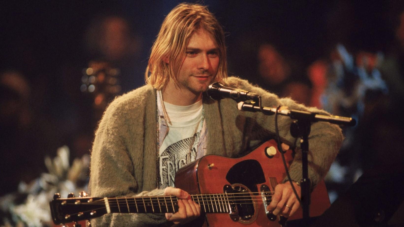 Гитару Курта Кобейна выставили нааукцион. Стартовая цена— $1млн
