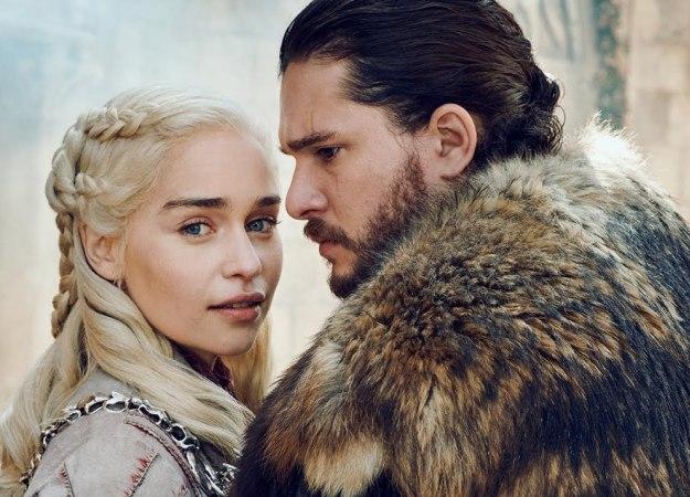 Вовремя съемок «Игры престолов» поцелуй Дейенерис иСноу вызвал «отвращение» уКита Харингтона