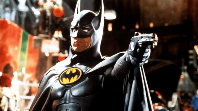Почему Майкл Китон ушел с роли Бэтмена? Виноваты 90-е!