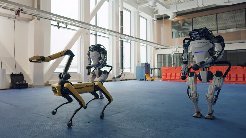 Роботы Boston Dynamics отпраздновали наступление Нового года танцем