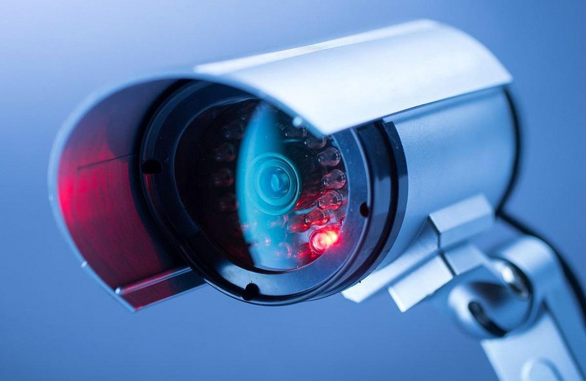 Вроссийских школах установят камеры сраспознаванием лиц и подключат их к системе «Оруэлл»