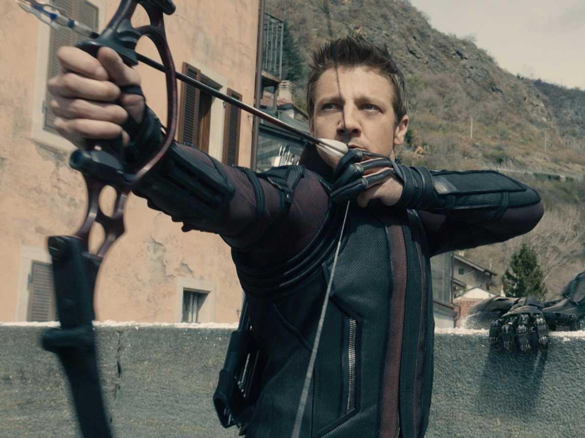 Джереми Реннер пытался убить Соколиного глаза в первых «Мстителях»
