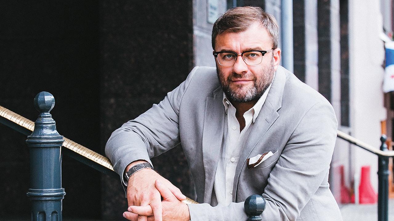 Михаилу Пореченкову исполнилось 52 года. Вспоминаем его лучшие роли