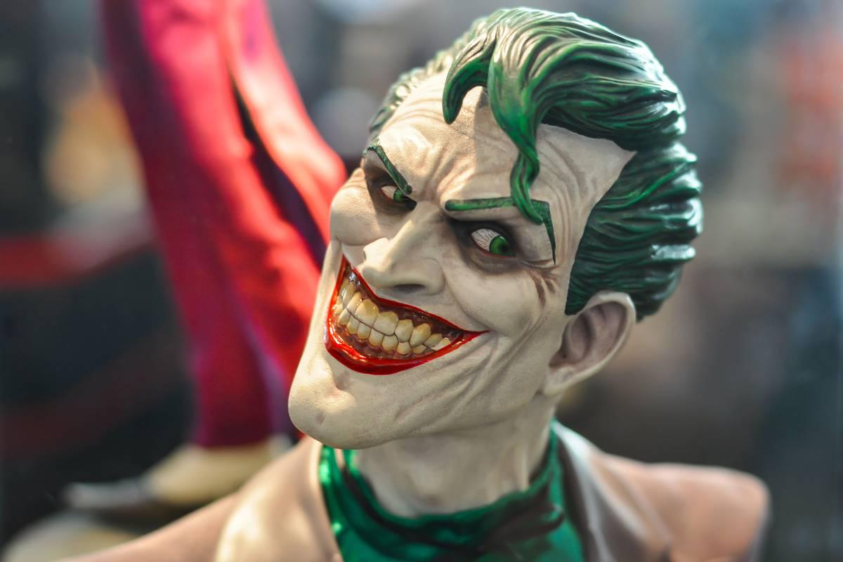 Вновом эпизоде «Бэтвумен» раскрыли судьбу Джокера извселенной «Стрелы»