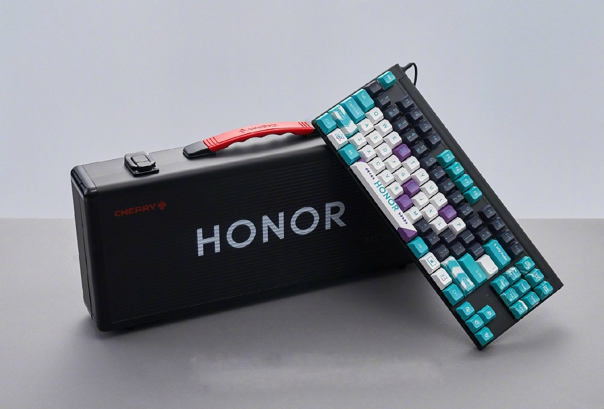 Honor представил игровую механическую клавиатуру